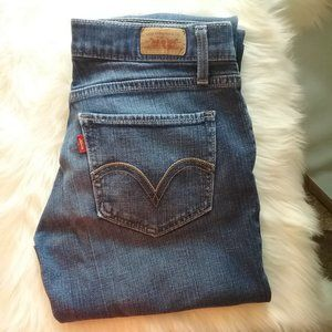 Levi's Too Super Low 524 Jeans. Size 5M